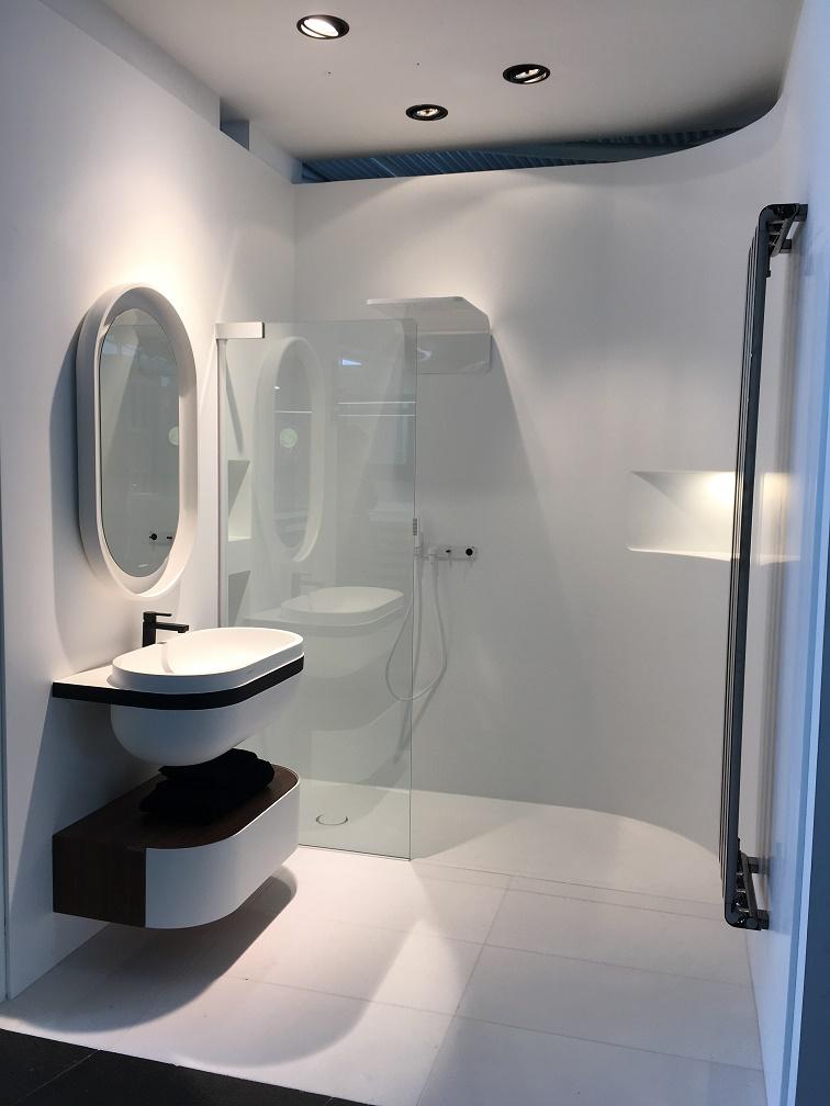 Jorge fern ndez tipos de mamparas de ducha cu l es la for Tipos de mamparas para platos de ducha